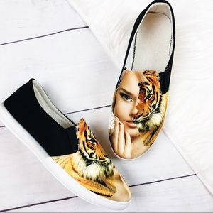 Shoes - Tiger Two Faced New Slip On Shoes Size 9 Women's